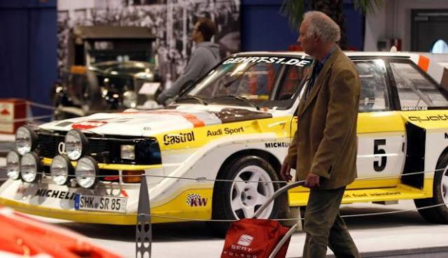Gambar Mobil Modifikasi Balap Essen Motor Show