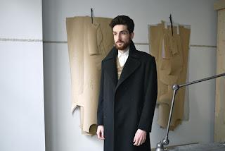 vanessa lekpa manteau années 40 elegance de la revolte macime made in town galeire
