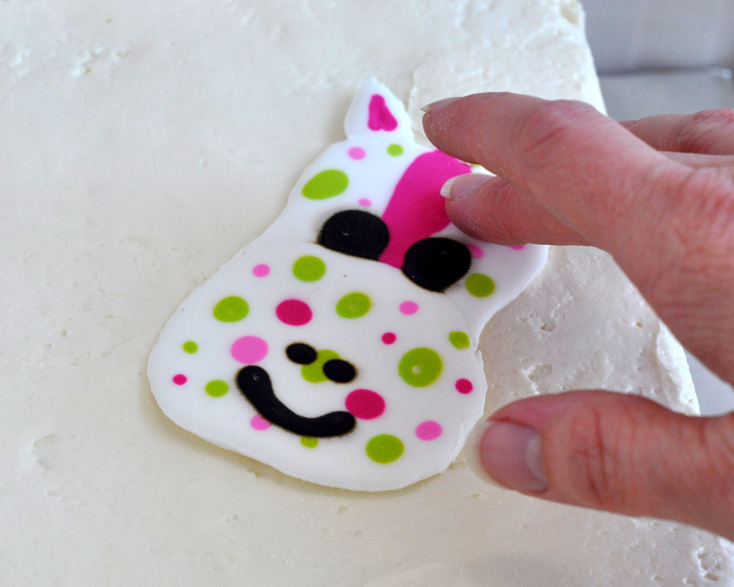 Cake Decoration With Icing : Beki Cook s Cake Blog: Royal Icing Cake Decorations