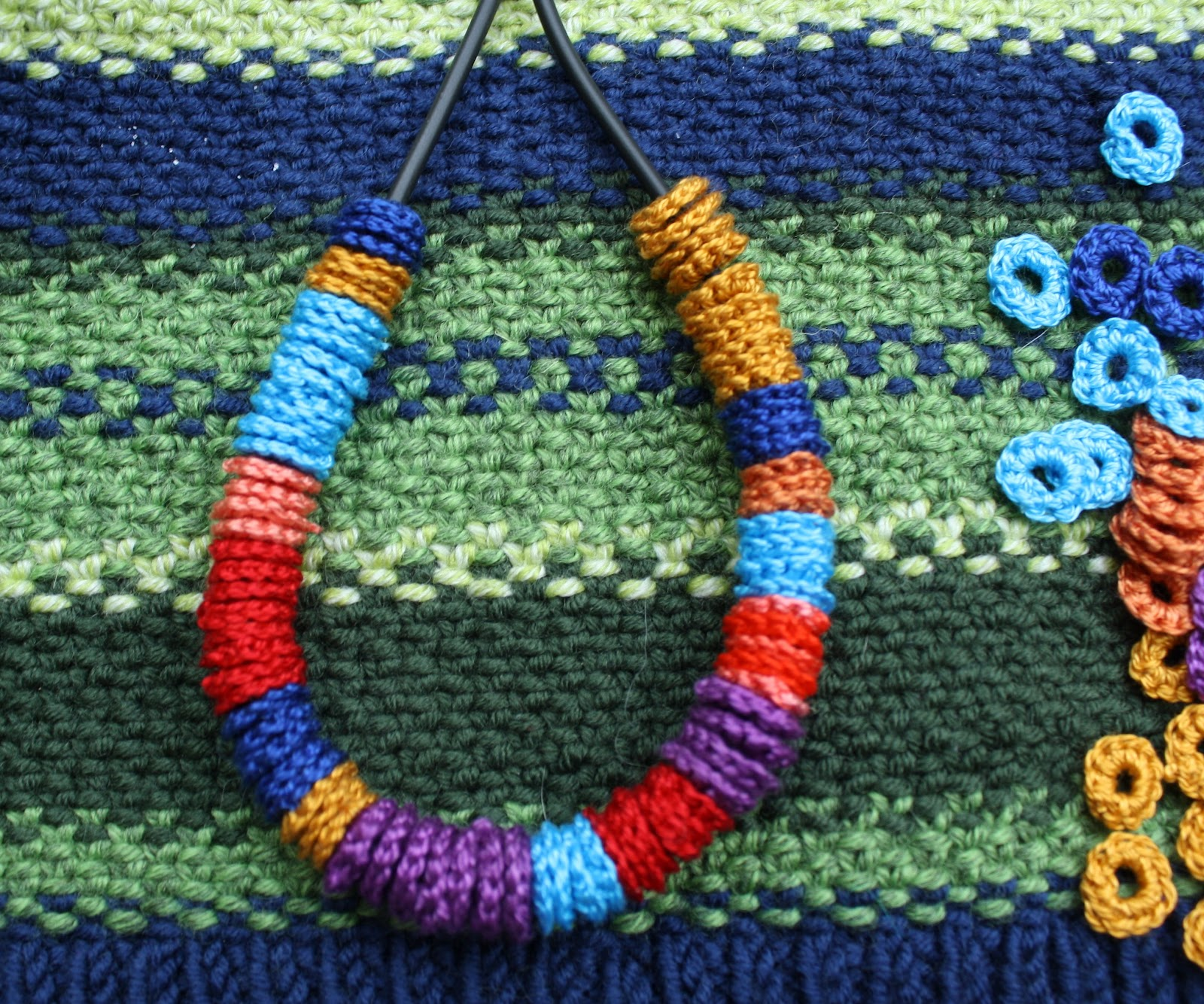 Crocheting Beads : up a new idea of crochet beads to make a small piece of colorful ...