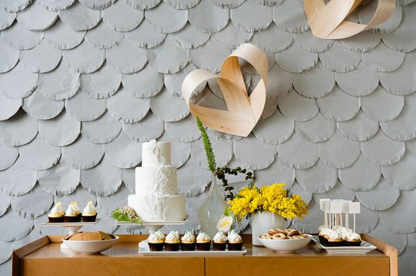 Fringed Scallop Backdrop Dessert Table (images: Jeff Loves Jessica) | Sweet Tooth