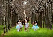. Chicas lindas jugando en el bosque by Shlomi Nissim . clic para ampliar . chicas lindas jugando en el bosque by shlomi nissim ls