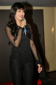 Shruti Haasan at Yevadu App Launch event-thumbnail-12