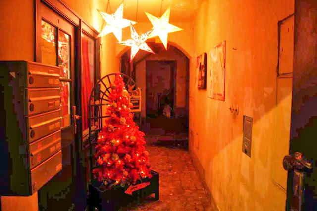 Weihnachtliche Deko am Spittelberg in Wien © Copyright Monika Fuchs, TravelWorldOnline
