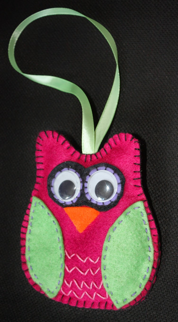 Craft and activities for all ages felt owls and hearts for Craft activities for seniors