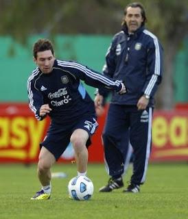 Batista pide apoyo popular para Lionel Messi