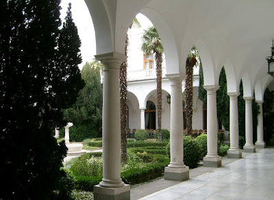 the courtyard of Livadia Palace- Travel europe |Sea vacation