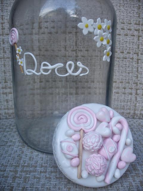 Doces, vidro grande decorado em biscuit