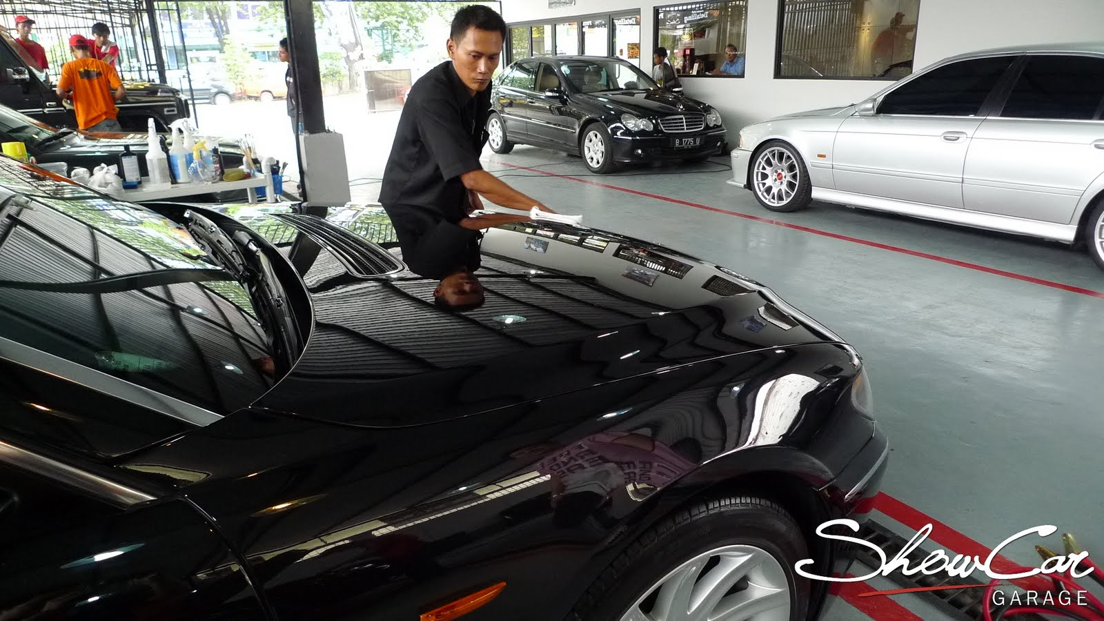 Show Car Indonesia From Passion To Profession - Show car garage