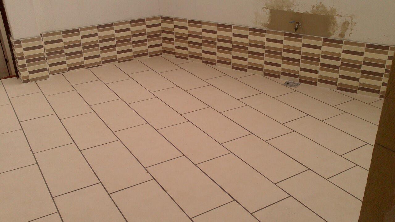 Construcciones rudi construccion de cuarto lavadero y for Azulejos patio