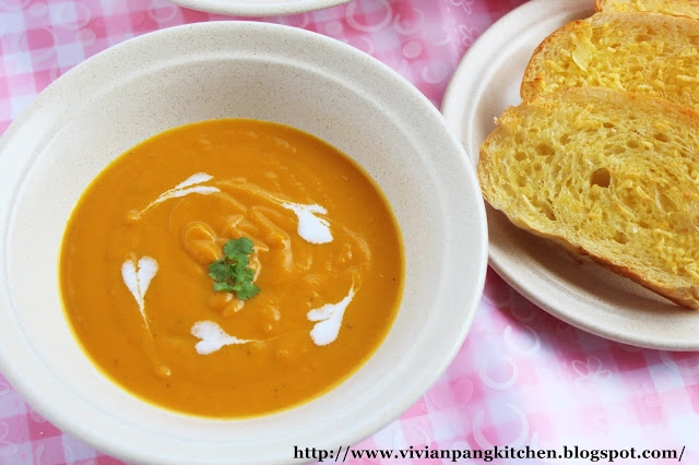 ... soup :) What better way of serving this easy pumpkin soup with