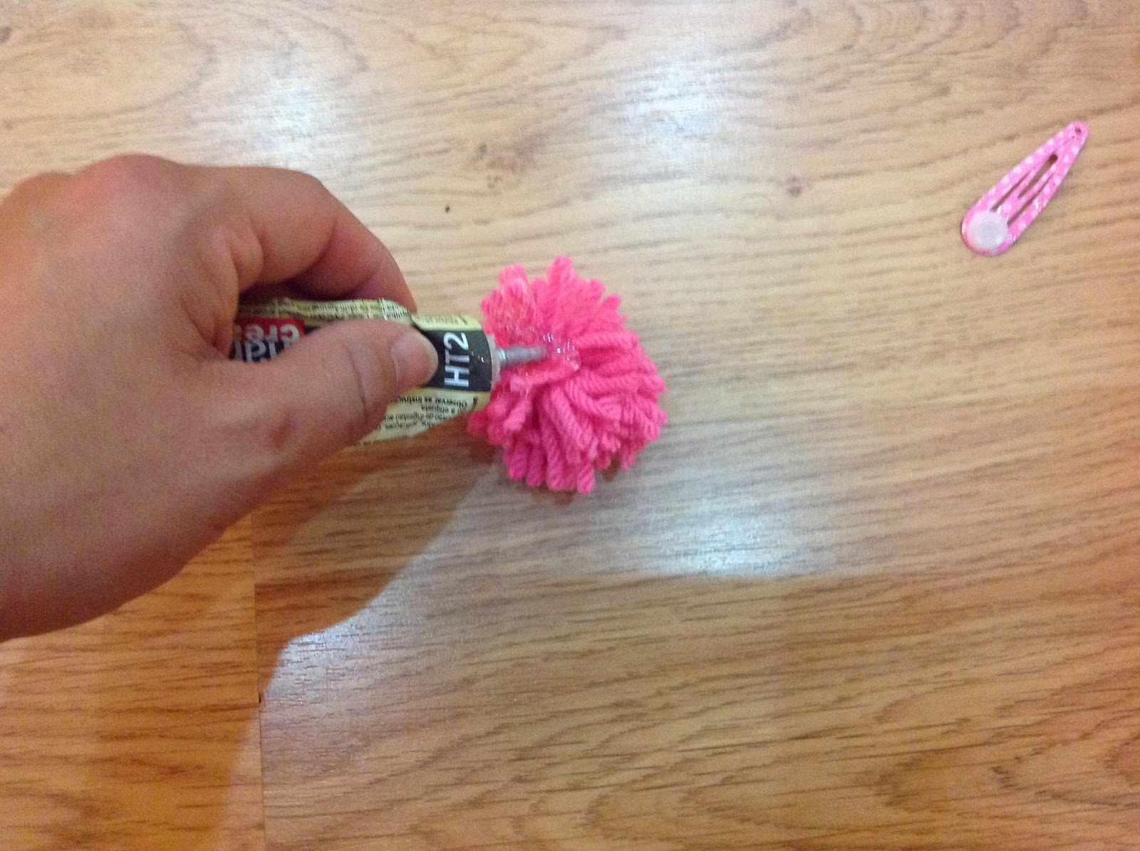 pom pom, hairclips, handmade, DIY, gift ideas