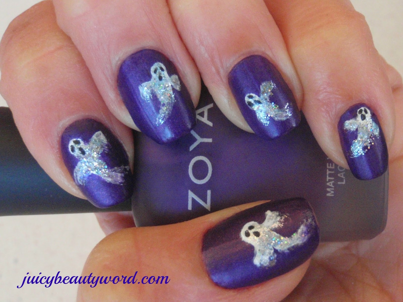 ghost Halloween nail designs