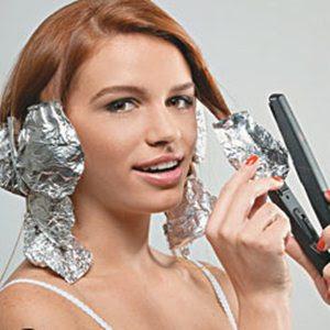 Como enrolar o cabelo com chapinha e papel alumínio