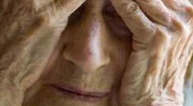 Κι άλλο περιστατικό κλοπής και ξυλοδαρμού ηλικιωμένης γυναίκας σπίτι της στην Επίδαυρο.Ο ληστής προπηλακίστηκε από κατοίκους του χωριού (Βίντεο)
