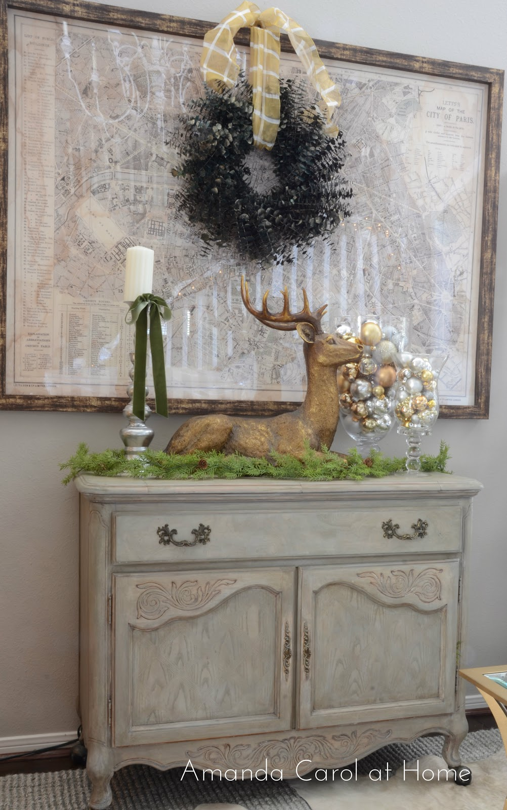 Holiday vignettes amanda carol interiors for Decor vignette