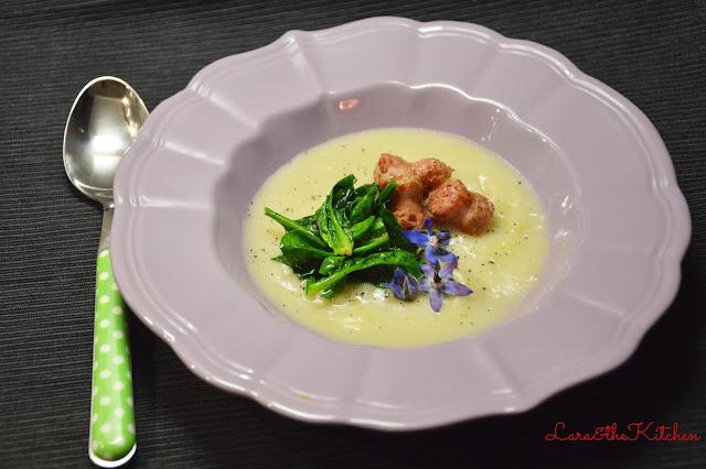 crema di topinambur, salsiccia e spinaci croccanti
