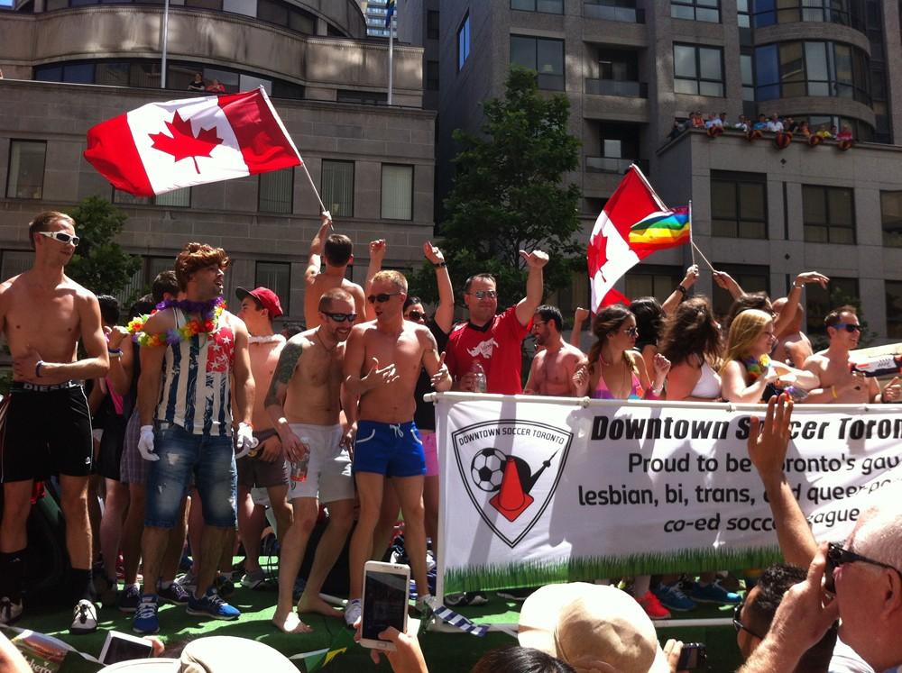 meando gay residencia universitaria