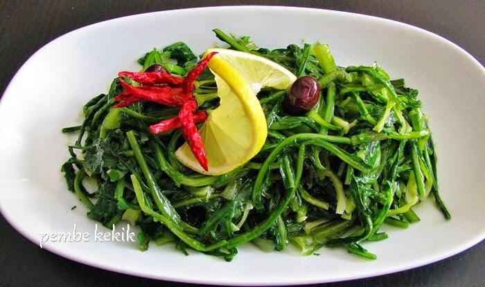 Karahindiba Salatası