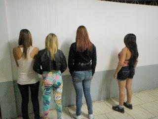 CASAL PEGO COM ADOLESCENTES PARA A PROSTITUIÇÃO (foto)
