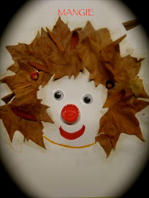 Cara con hojas secas