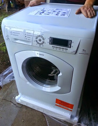 Hotpoint HULT 943 Washing Machine Review with Co-Operative Electrical