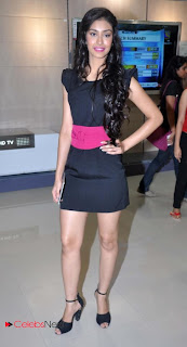 Femina Miss India 2013 Navneet Kaur Pictures at New Reliance Digital Xpress Store
