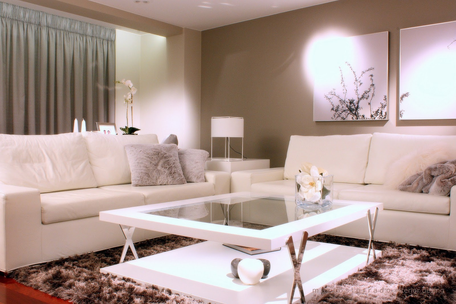 The style inspiration home for young couple for Decoracion lamparas salon