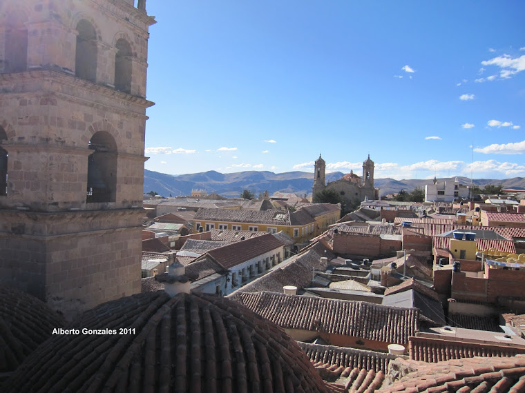 Calle Tarija y la Catedral