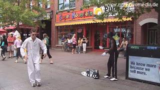 Artists around Byward Market - Ottawa