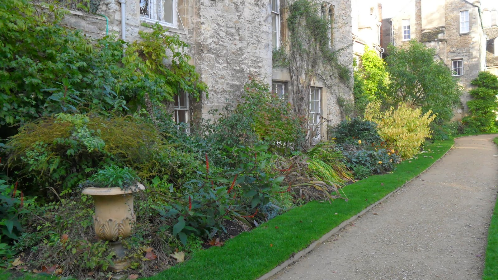 Worcester College Gardeners Gone In A Day