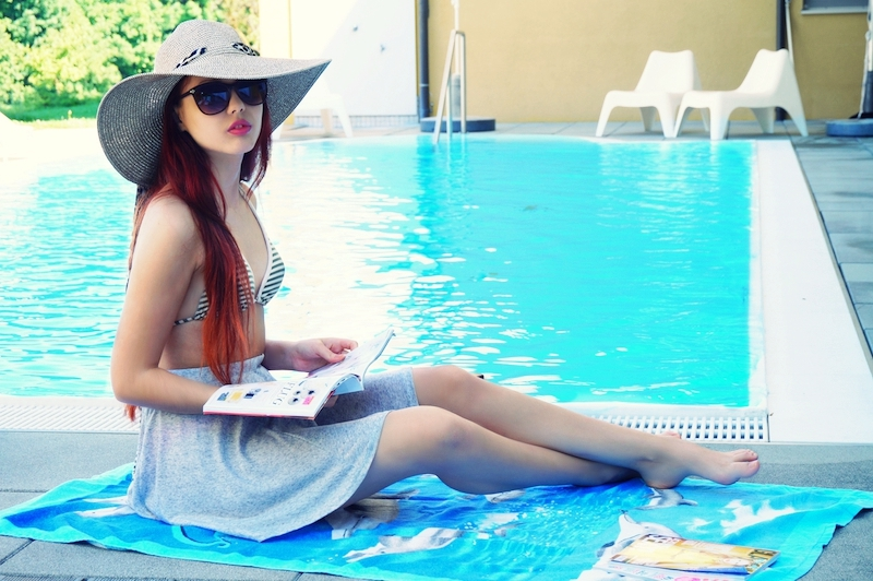 Sommer-Pool-Outfit