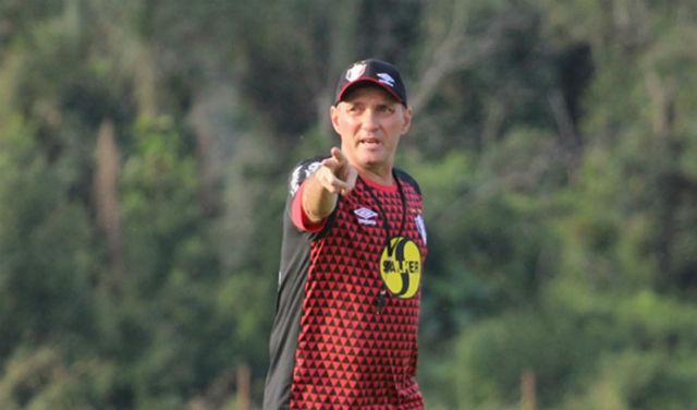 Técnico do Joinville exaltou ponto conquistado no Maracanã no duelo contra o Vasco (Foto: Divulgação)