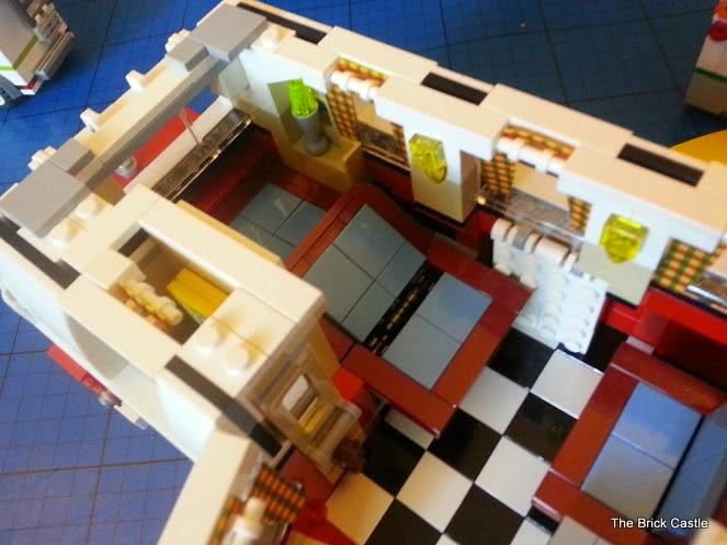 LEGO T1  Volkswagen Split screen Campervan set 10220 rock and roll bed