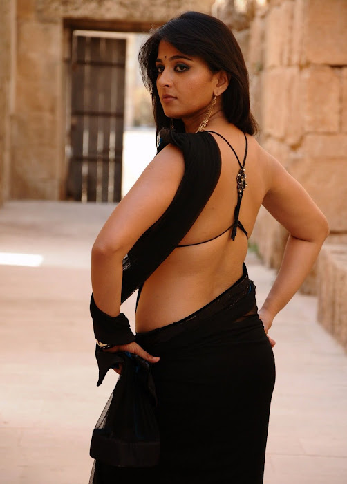anushka bare back in black saree hot images