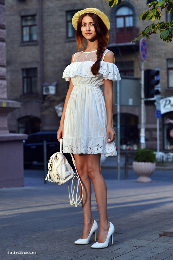 Платья спущенные на плечо