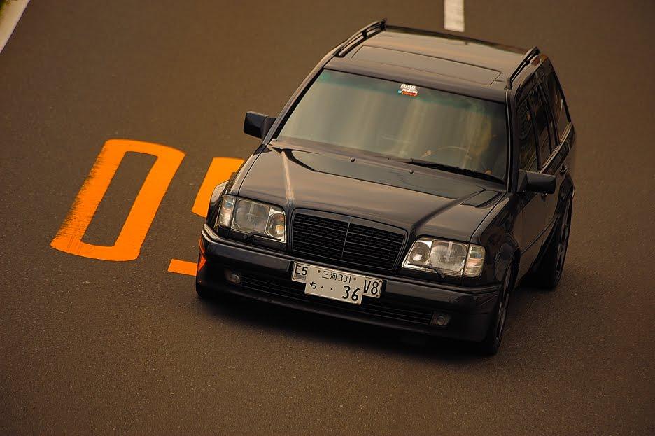 AMG E320T 3,6の深き魅力を探ります。