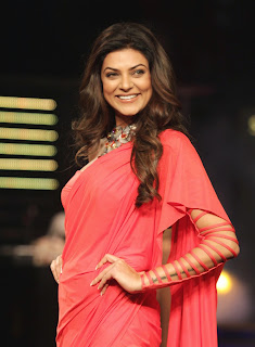 Sushmita Sen walks the Ramp in Designer Leg Split Saree At The Blenders Pride Fashion Tour 2014