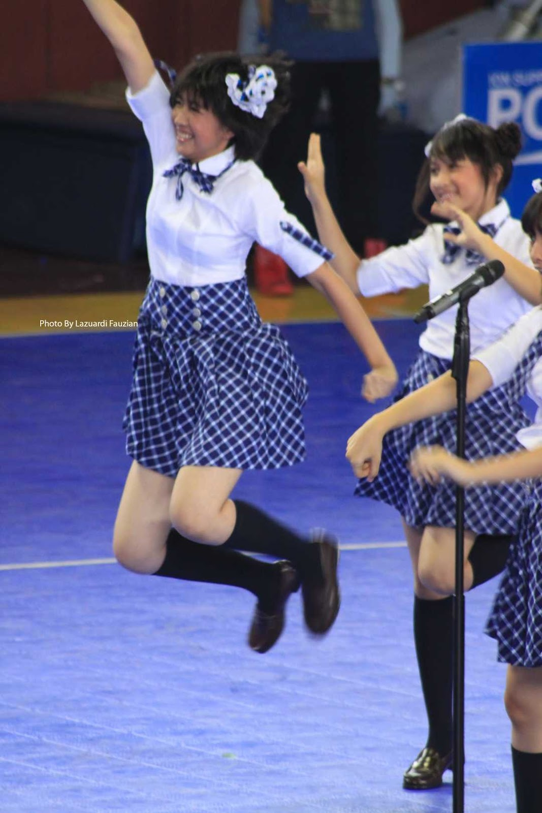 Ghadia JKT48 fly in the sky