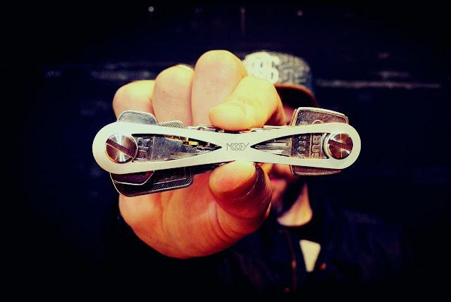 MOKEY – More than a Key | Endlich kein Gerassel mehr in der Hosentasche - Das elegante Schlüssel Gadget