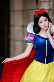 Disney Snow White Cosplay by Koyuki 7