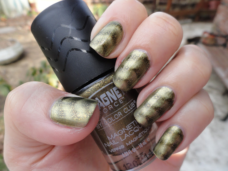 Nails Never Fails: NOTD Color Club Magnetic Nail Polish in Sci-Fi