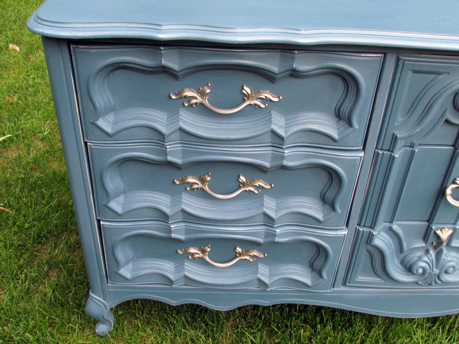 Wildwood Creek Dresser In Aubusson Blue Chalk Paint