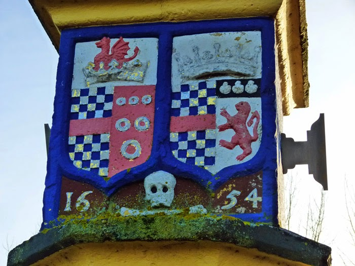 Countess Pillar, Clifford, Russell, coat of arms, Cumbria