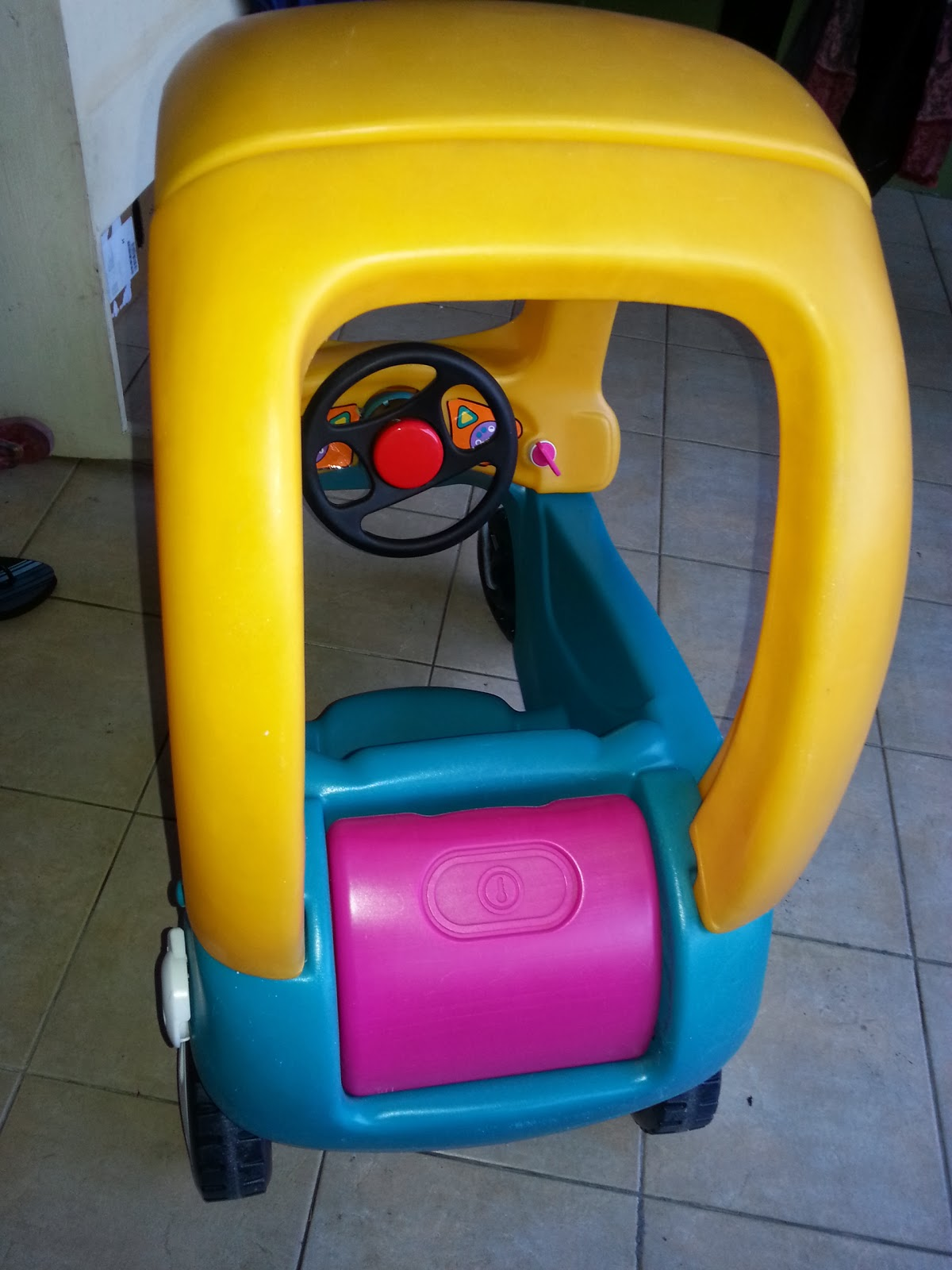 Little tikes cozy coupe grand coupe ride on car hot for Little tikes spare parts
