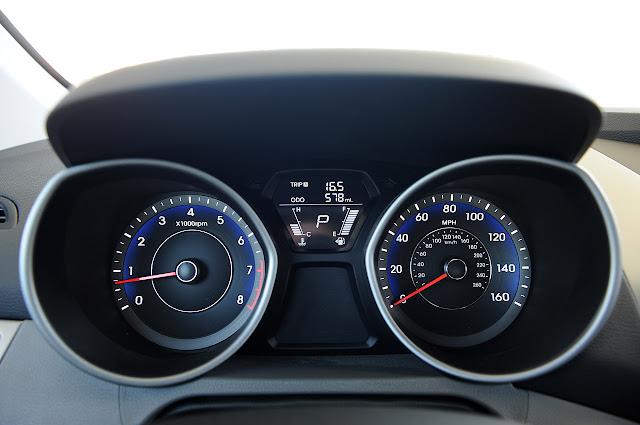 приборная панель Hyundai Elantra Coupe 2013