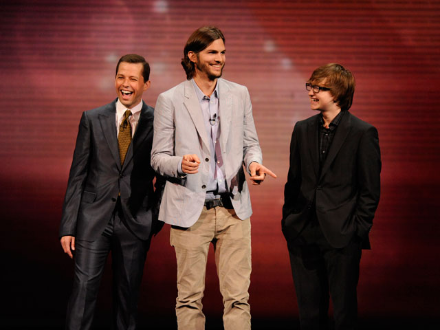 Two-and-a-Half-Men-dos-hombres-y-medio-ashton-kutcher jpgAshton Kutcher 2013 Two And A Half Men