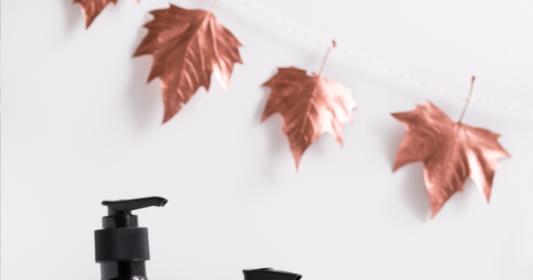 diy herbstdeko girlande aus bl ttern mit kupfer spr hfarbe nicest things food interior. Black Bedroom Furniture Sets. Home Design Ideas