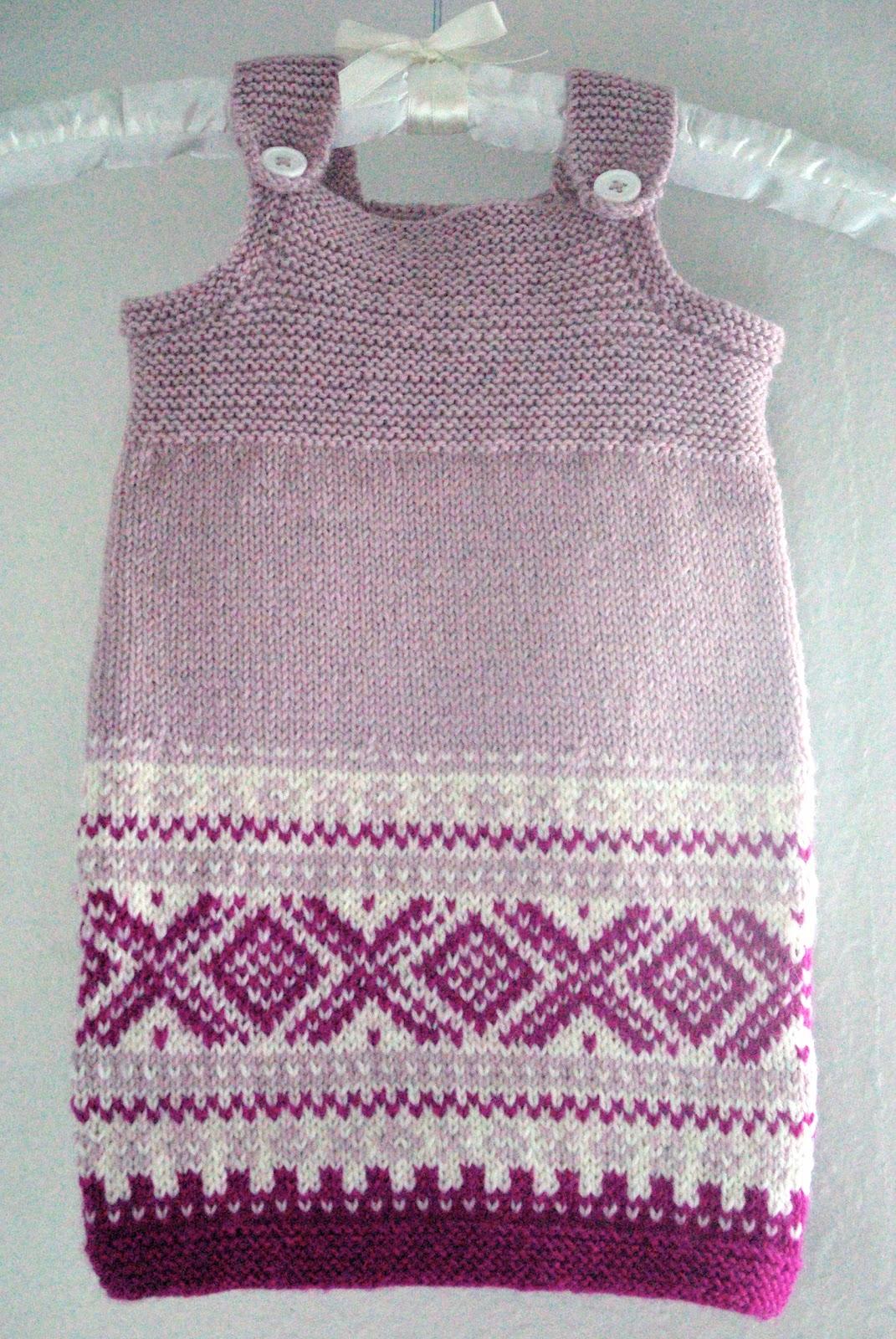 strikkeoppskrift barn kjole kåpe