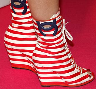10 Most BIZARRE Women's Shoes Ever - YouTube